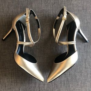 Aldo gold metallic heels
